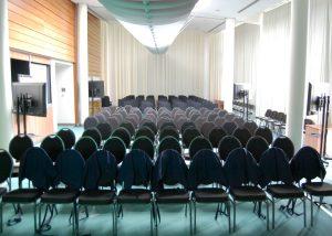 Der Tagungsraum bietet Platz für ca. 120 Teilnehmer